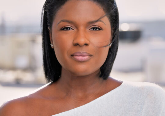 Deborah Joy Winans: More to Come